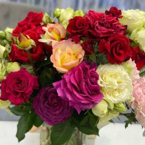 красивый букет из домашних роз