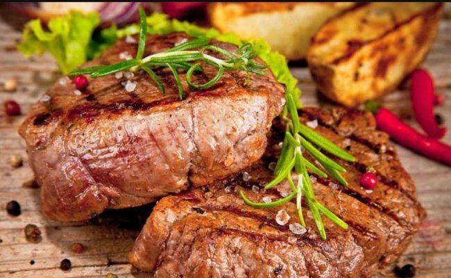 Стейк из говядины «Для любимого мужа» — приготовьте на 23 февраля!