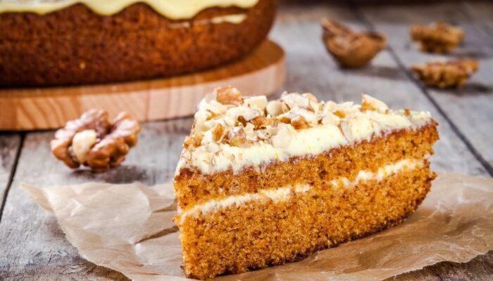 Простой рецепт морковного пирога с грецким орехом